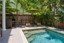Ecco Domani Key West